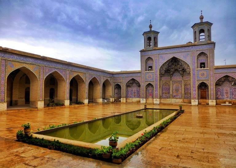 Dünyadaki En Renkli Cami Nasır El Mülk dünyadaki en renkli cami nasır el mülk Dünyadaki En Renkli Cami Nasır El Mülk nasr al mulk avlu